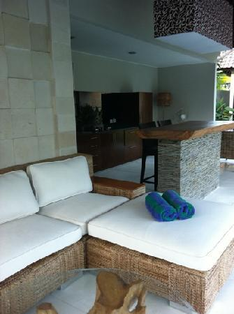 Katala Villas: lounge area