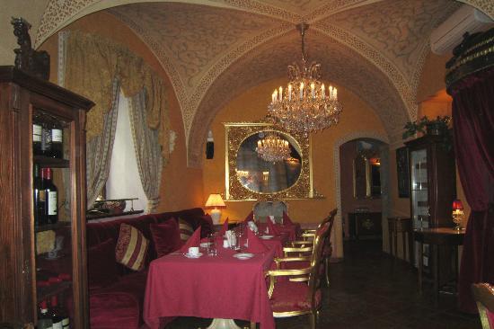 Alchymist Nosticova Palace: L'une des salles à manger du restaurant