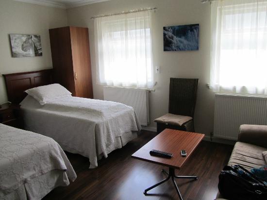 Hrafninn Guesthouse: My room