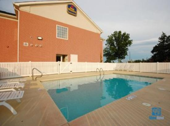 One King Bed Room Picture Of Super 8 Rainsville Rainsville Tripadvisor