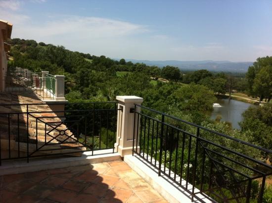 ESTIVEL - Villas Green Bastide : vue de l'étage