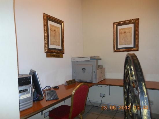 Colosseum Hotel & Fitness Club: Business centre
