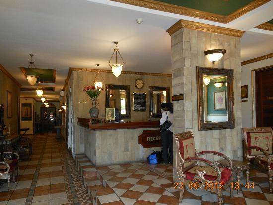 Colosseum Hotel & Fitness Club: Reception