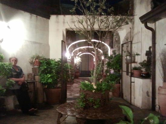 Ninnetti : Il corridoio d'entrata