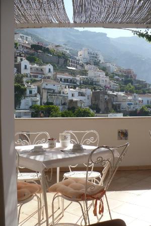 Vittoria: vista dalla terrazza a colazione