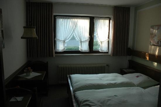 Hotel Zum Walde : Double Room Schwalbennest