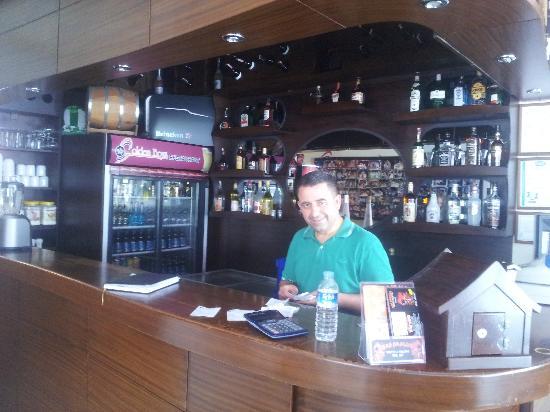 Golden Boys Restaurant : bar