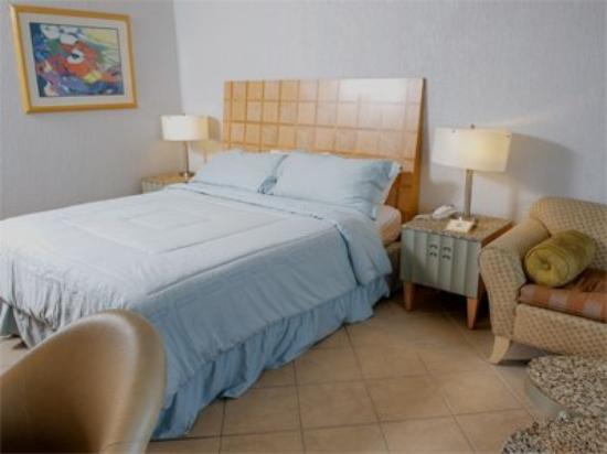 Ramada Belize City Princess Hotel: Double Room with King Bed