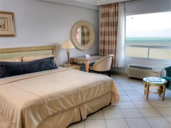 Ramada Belize City Princess Hotel: Room