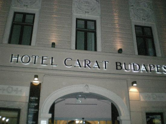 Carat Boutique Hotel: Facciata