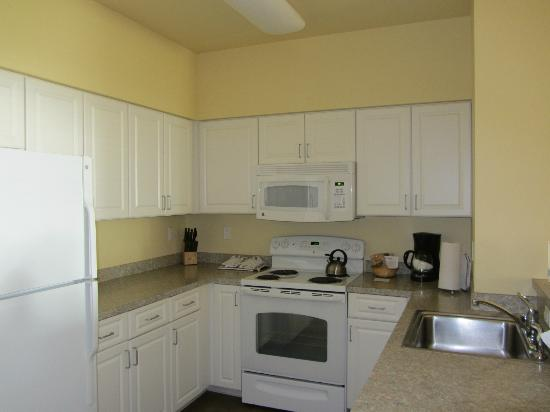 Worldmark Long Beach: kitchen