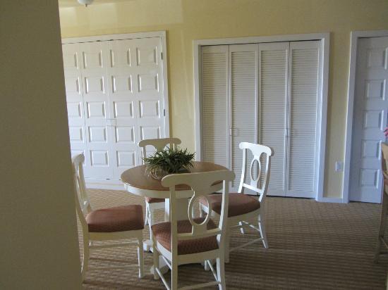 Worldmark Long Beach : living room area