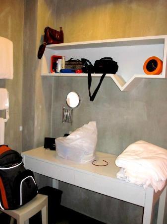 Lub d Bangkok - Siam Square: twin sharing room deco