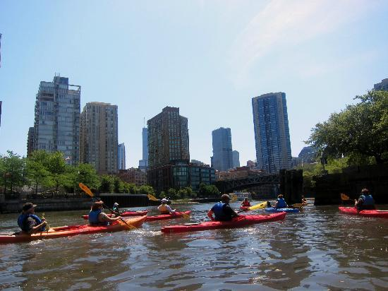 ‪Kayak Chicago‬