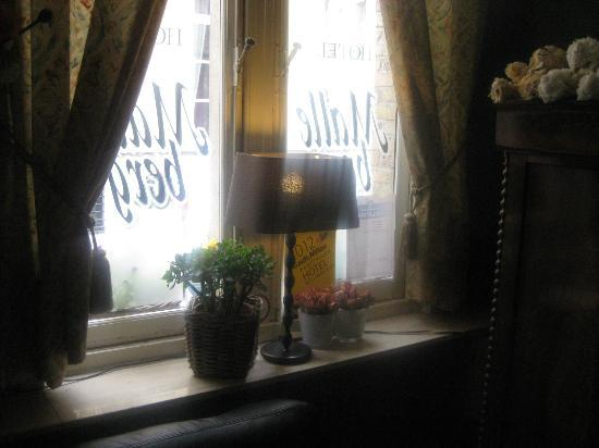 Hotel Malleberg: Windowsill from inside - charming decorations