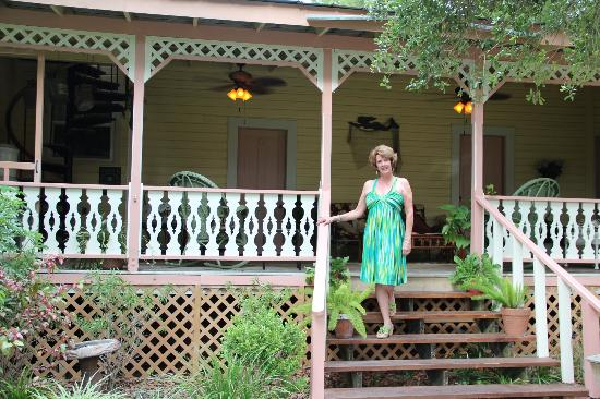 Cedar Key Bed and Breakfast: Beautiful veranda for reading or relaxing