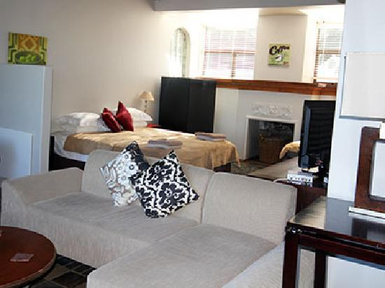 Hillview Self-Catering Apartments: bedroom