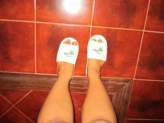 Bangkok Natural Spa & Resort: bedroom slippers!