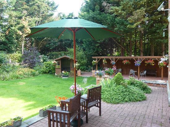 Beech House Hotel: Garden