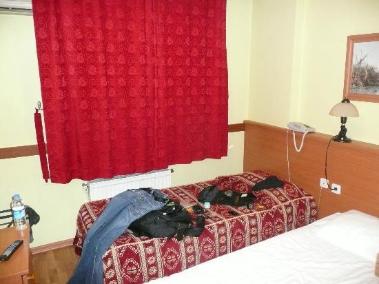 Erbil Hotel: Blick von Tür Richtung Fenster