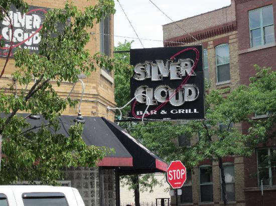 Silver Cloud Bar & Grill : Outside