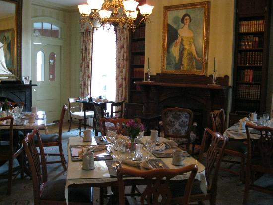 Adele Turner Inn: Breakfast Room