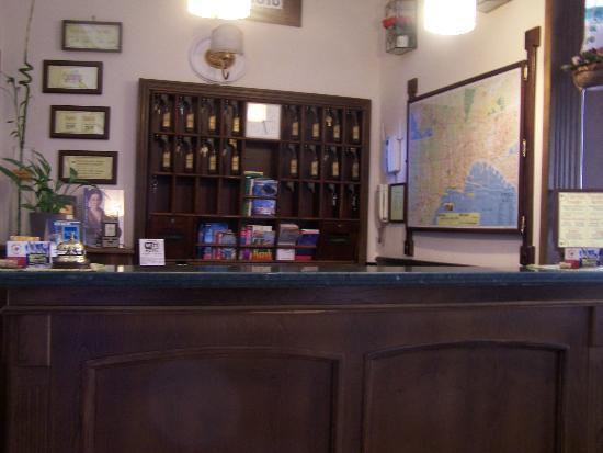Hotel Pinto-Storey
