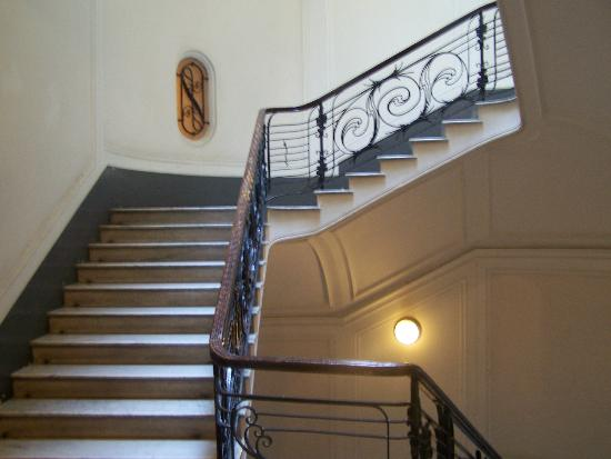 Pinto-Storey Hotel: Building Hallways