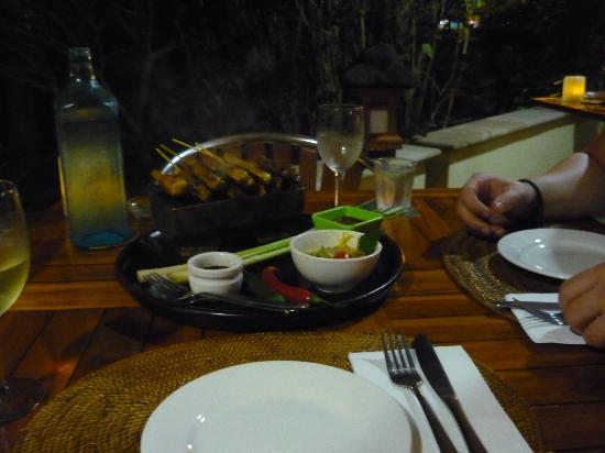 Balinese Motel: Vorspeise im Restaurant 50 Meter entfernt - zu empfehlen