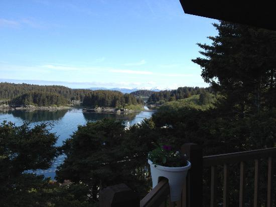 A Channel View B&B: Outside on balcony above our balcony - outside breakfast area