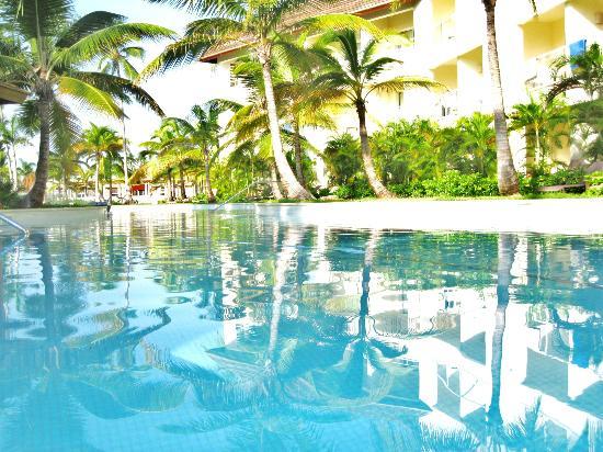 Secrets Royal Beach Punta Cana: pool