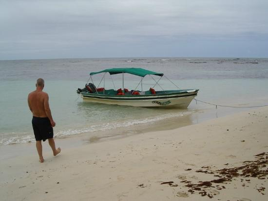 Hotel Tierra Verde: Chartered the Tierra Verde boat for a day of snorkeling