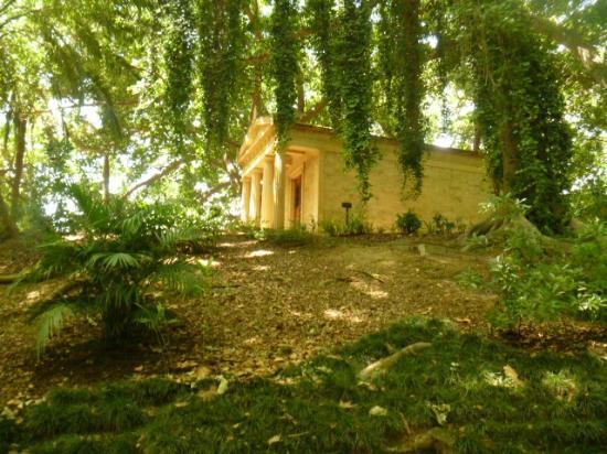 El museo loringiano picture of la concepcion jardin for Jardin botanico de malaga