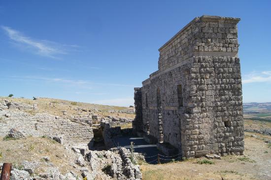 Ciudad romana de Acinipo: the theatre
