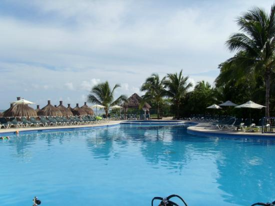 Royal Level at Occidental Cozumel: Pool area