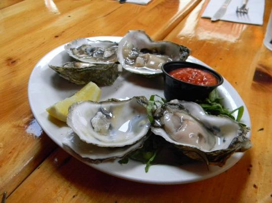 Lighthouse Restaurant: Oysters from Heaven
