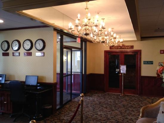 Ramada Medford Hotel and Conference Center: In the lobby :-)