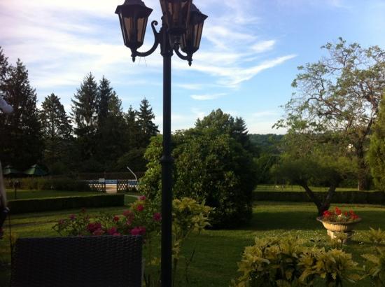 La Verperie : Blick von der Terrasse am Abend!