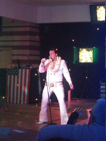 Croyde, UK: Elvis