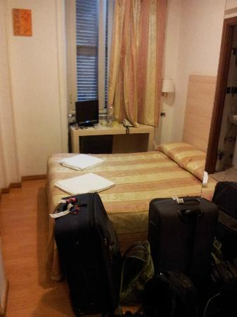 Hotel Saturnia: Small, efficient, clean