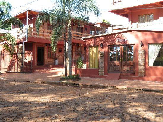 La Strada: la entrada del hotel
