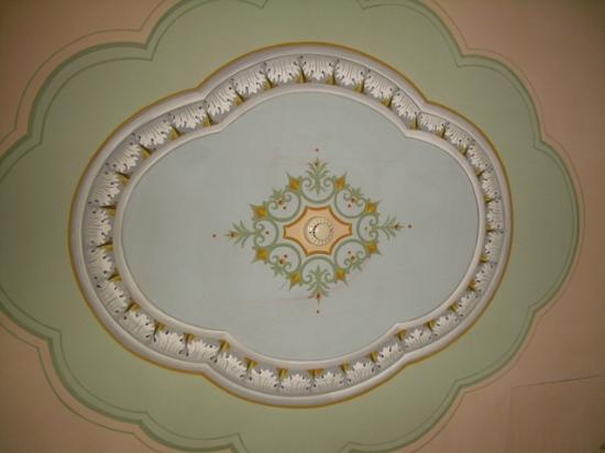 Adler Cavalieri: View of ceiling