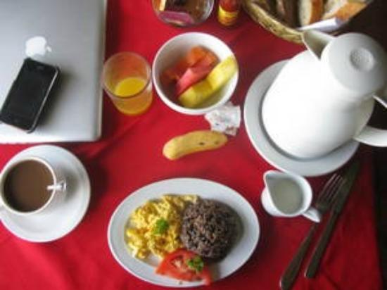 Hotel Belvedere - Playa Samara: Belvedere breakfast