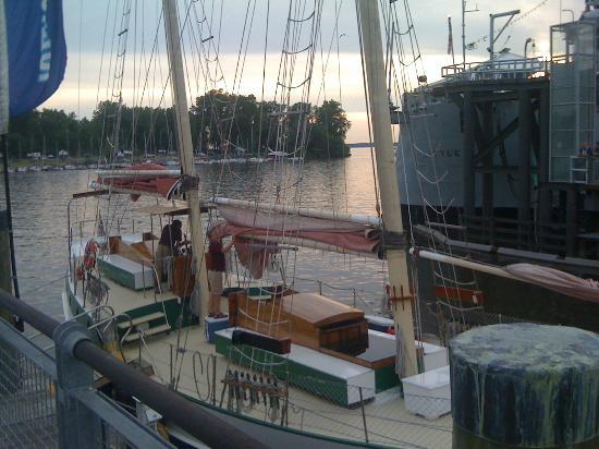 Spirit of Buffalo - Buffalo Sailing Adventures: Spirit of Buffalo