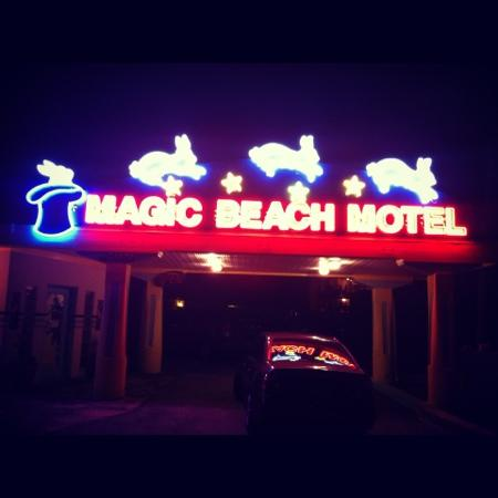 Magic Beach Motel: refurbished original sign