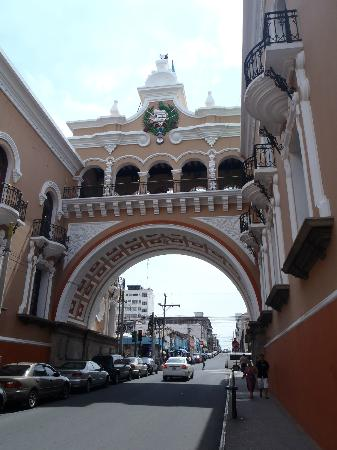 Edificio de Correos Central Arc