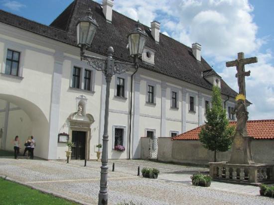 Nove Hrady, Republika Czeska: monastery