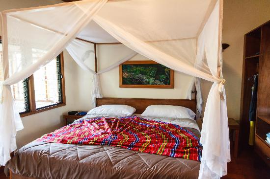 Mariposa Jungle Lodge: Bed