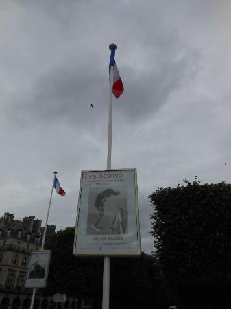 pubblicità della retrospettiva a Jeu de Paume