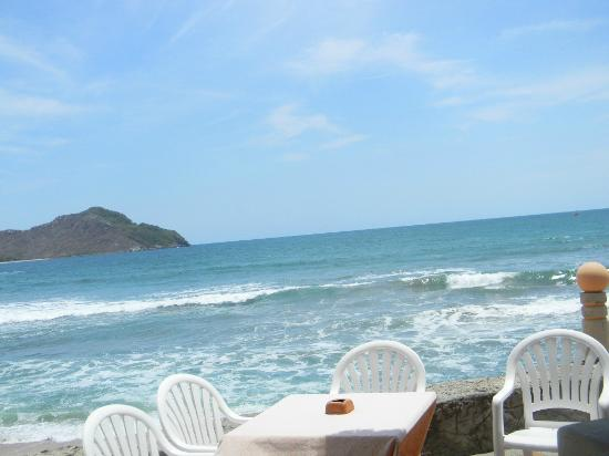 The Palms Resort Of Mazatlan: View from our table at the outdoor restaurant